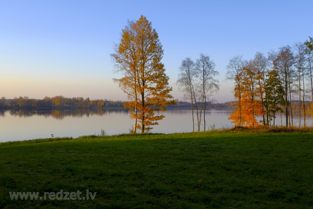 Lake of Stameriena in autumn